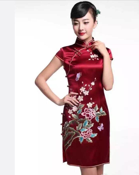 梅花刺绣旗袍